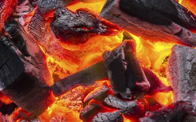 fumaça de carvão. Foto: Thinkstock/Getty Images