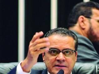 Henrique Eduardo Alves avalia que faltou habilidade do governo