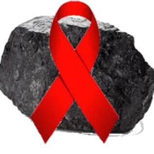 Para cada doação, um pedaço de carvão será enviado para a Igreja Batista do Mundo Fiél de Tempe, no Arizona (EUA), onde Anderson é pastor