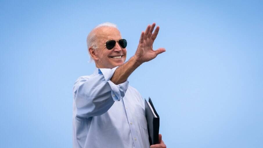 Presidente dos EUA, Joe Biden; país tem imunização contra Covid-19 acelerada