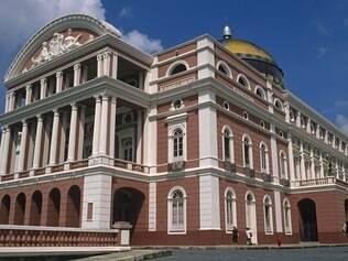 Teatro Amazonas é ponto obrigatório do turista que vai a Manaus