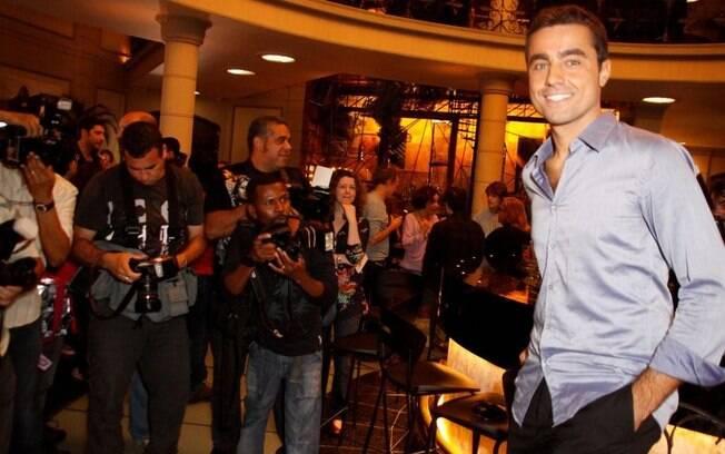 Ricardo Pereira vai interpretar seu primeiro protagonista no Brasil