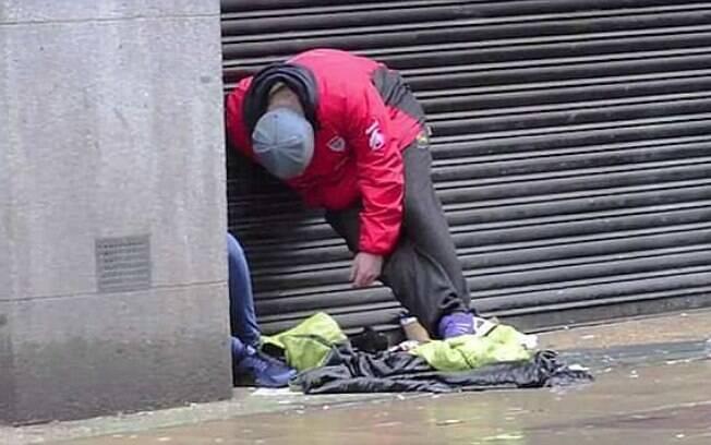 Dois jovens ficaram inconscientes e dois homens foram encontrados pela polícia cobertos em vômito depois de usar a droga