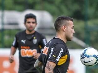 Nico Otamendi sonha em jogar uma final da Libertadores
