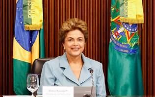 Dilma cobra fidelidade da base em primeira reunião ministerial após a reforma - Política - iG