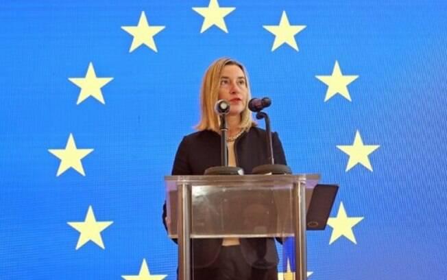 Mogherini pede que o Teerã volte a cumprir todos os termos do acordo