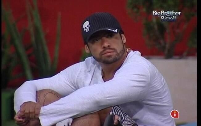 Yuri não gosta da permanência de João Carvalho no reality