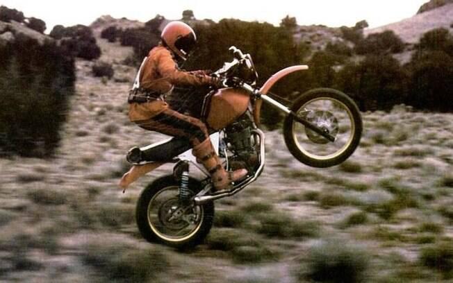 Viagem no tempo com Time Rider, de 1982, e a Yamaha XT 500 de 1977