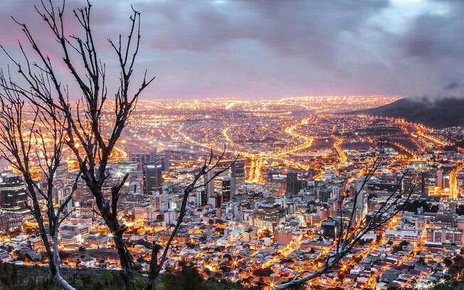 Capital administrativa da África, Pretroria tem a a sede oficial do governo sul africano. Fica a aproximadamente 45km de Johannesburg.
