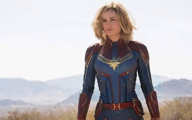 Brie Larson caracterizada como a Capitã Marvel