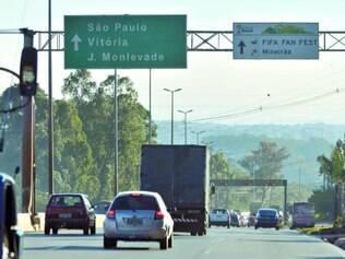 Defasagem. No Anel Rodoviário da capital, placas permanecem na altura dos bairros Buritis (<CF51>foto</CF>), Vila Oeste e em vários outros trechos