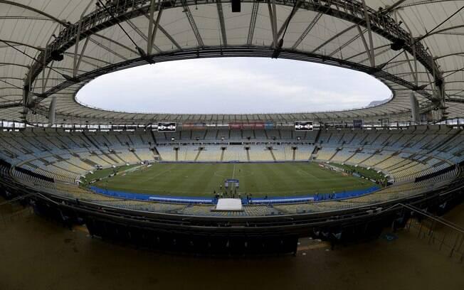 Retorno do público em jogos de futebol no Rio de Janeiro vai seguir 'legislação específica'