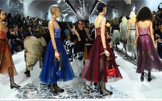 Desfile Dior na semana de moda em Paris.