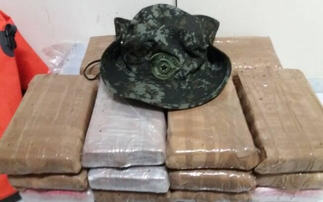 Droga apreendida pela Polícia Militar Ambiental no Porto de Santos