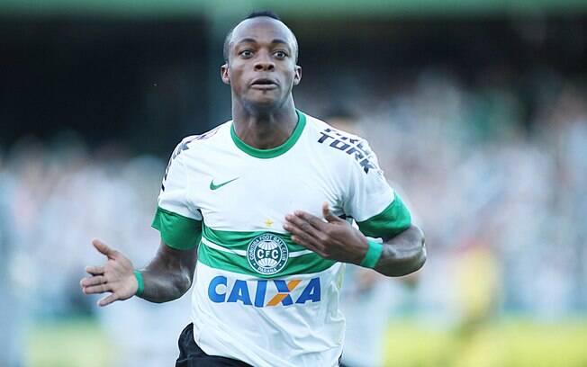Geraldo fez para o Coritiba o gol da vitória  sobre o arquirrival Atlético-PR