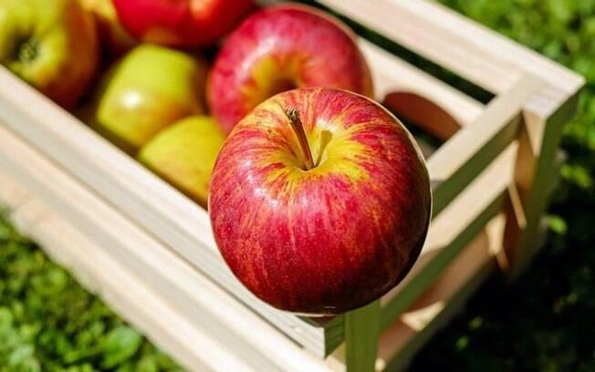 12 simpatias com maçã para resolver qualquer problema amoroso