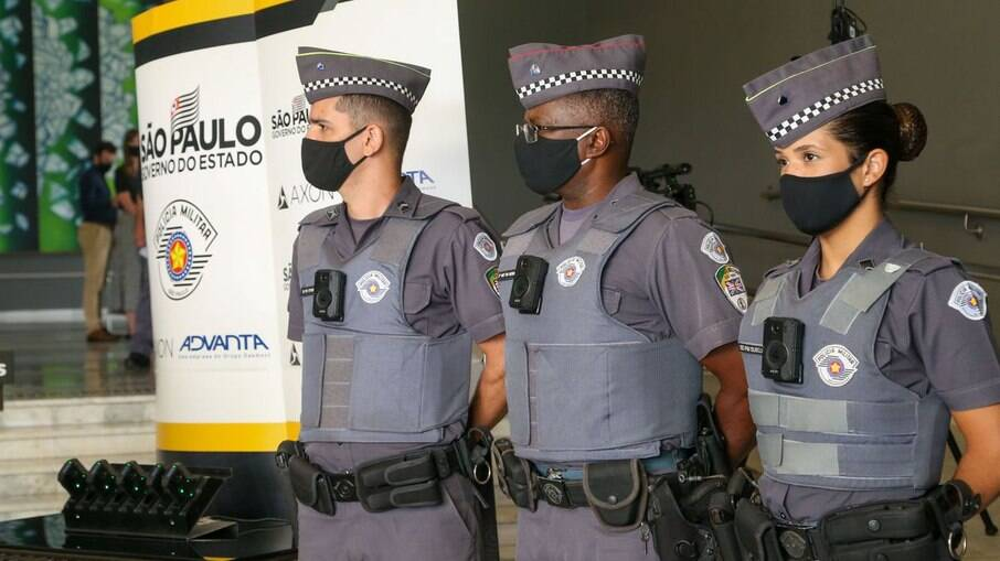 Objetivo é que todos os policiais passem a usar câmeras corporais
