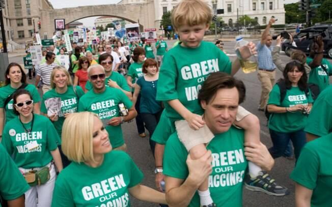 Os atores Jenny McCarthy e Jim Carrey são militantes do movimento antivacina