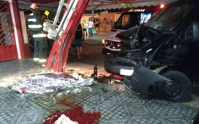 Motorista bêbado perdeu o controle de van, invadiu lanchonete e matou jovem em Jundiaí