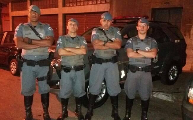 Equipe da Cavalaria da PM formada pelo Tenente Melim, Cabo Costa Jr, Cabo Fratoni e Soldado Aprígio