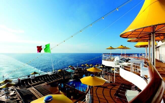 A estrutura do Costa Favolosa é inspirada  em um castelo de conto de fadas, você viverá um sonho em alto mar