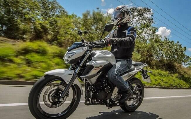 Yamaha traz estrutura que integra o motor ao quadro, para uma dirigibilidade mais afiada