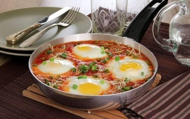 Ovos cozidos no molho: opo fcil e diferente para as refeies