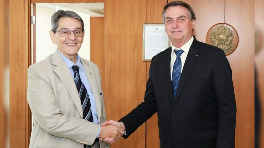 Ainda há a possibilidade de Jair Bolsonaro se filiar ao PTB, de Roberto Jefferson