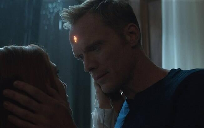 Visão e Feiticeira Escarlate têm uma boa trama em um filme que não se esperava que eles fossem protagonistas, mas na verdade há uma falha de desenvolvimento aí