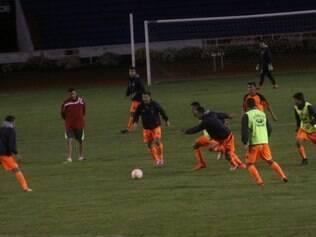 O elenco do Universitario fez o seu último treinamento antes da estreia na Libertadores