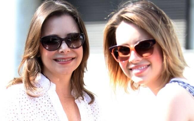 Noely e Sandy chegando ao aeroporto Santos Dumont nesta segunda-feira (14)