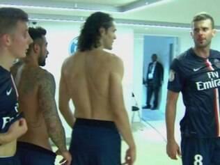 Imagens do circuito interno de TV do estádio mostra o momento exato em que o brasileiro acerta uma cabeçada no rosto de Motta