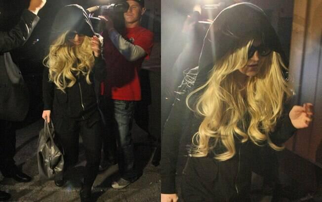Lindsay Lohan começa serviço comunitário em necrotério de Los Angeles