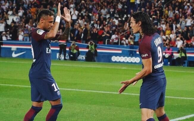 Neymar e Cavani fizeram grande jogo contra o Saint-Étienne