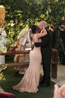 Em segredo, Gretchen  e Carlos Marques se casam em São Paulo. Foto: Repro/Twitter