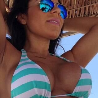 Em foto da namorada, a Legendete Andressa Ferreira, Thammy desabafou nesse começo de ano