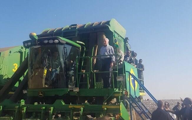 Michel Temer chega a Mato Grosso em meio a protesto de caminhoneiros contra a alta no combustível