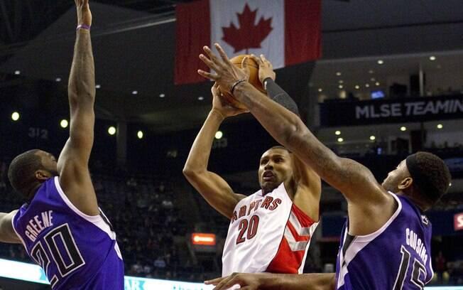 Após sete temporadas no Suns, Leandrinho se  juntou ao Toronto Raptors em 2010