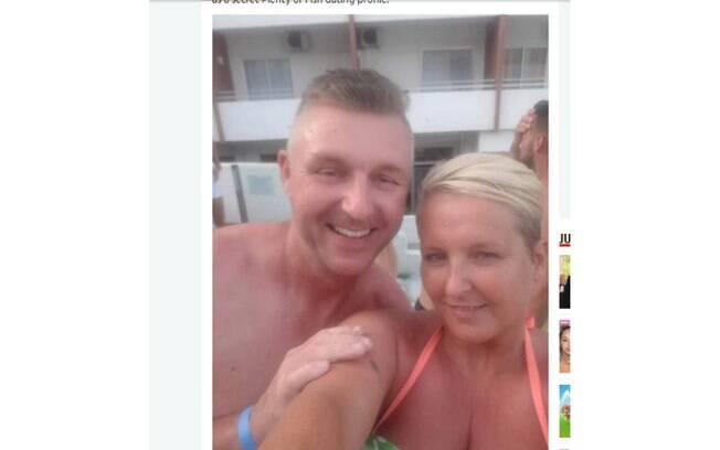 Angela Jones e Tony se conheceram em um site de namoros. Após um ano, ela descobriu que uma traição