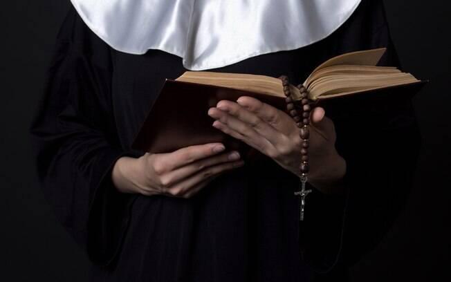 Estudo pode explicar por que as freiras vivem mais: abstinência sexual