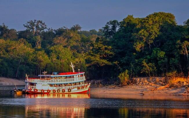 10 lugares para viajar pelo Brasil: Manaus reúne muita beleza natural e também uma arquitetura que encanta os turistas