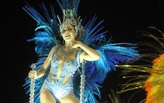 Leandra Leal volta à Sapucaí e desfila pela Portela