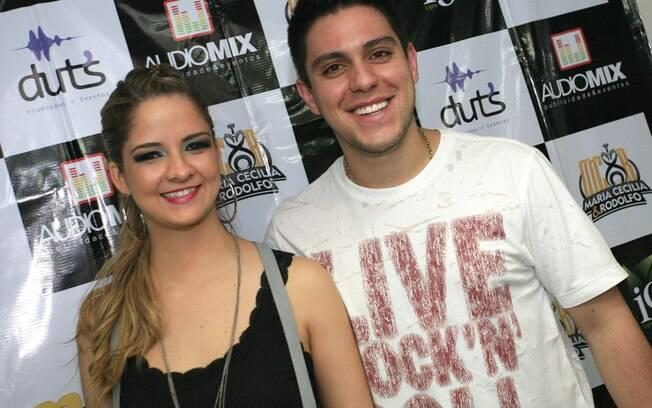 Maria Cecília e Rodolfo no camarim, após apresentação em mais uma edição do Duelo dos Gigantes