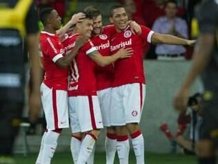 Gols do Inter foram marcados por Aráguiz, Eduardo Sasha e D'Alessandro