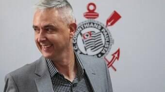 Tiago Nunes vai curtir carnaval no sambódromo com jogadores