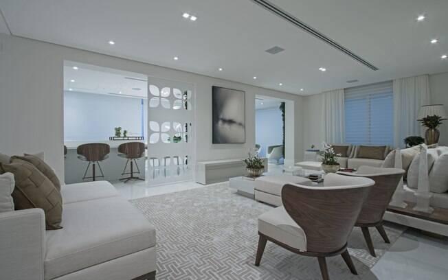 É importante considerar o layout da sala de estar para evitar que os móveis atrapalhem a circulação dos moradores