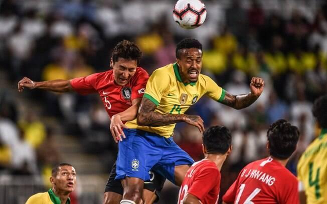 Eder Militão foi titular da seleção brasileira contra a Coreia do Sul