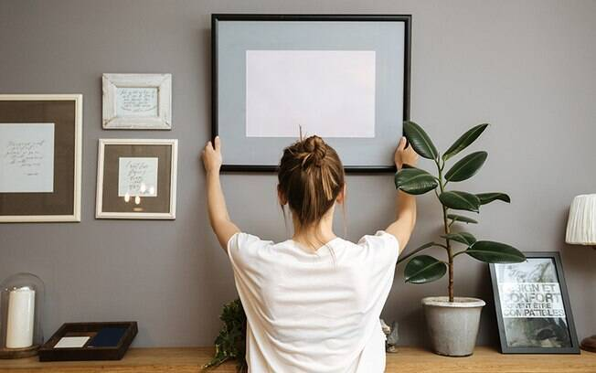 Furar parede nunca mais: conhea truques fceis para pendurar quadros