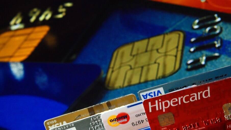 81% dos entrevistados afirmaram ter usado o cartão de crédito indevidamente