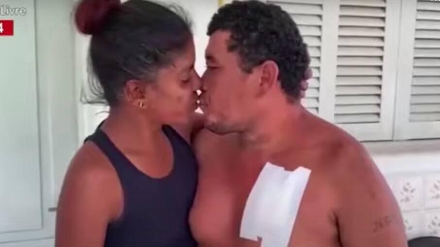Homem foi esfaqueado no peito pela mulher